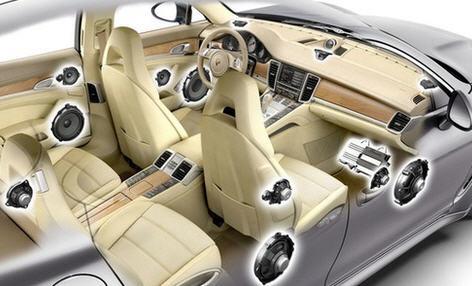 Установка динамиков автомобильной акустики в салоне машины