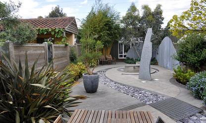 Оформляем сад в стиле