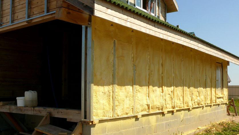 Чем утеплить загородный дом