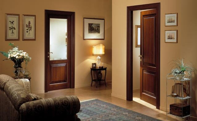 Межкомнатные двери из дерева - неувядающая классика