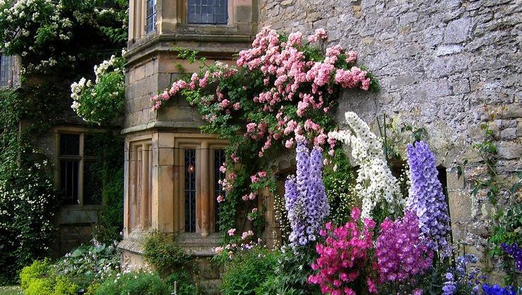Английский сад при загородном доме