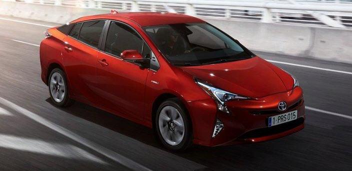 Тойота представила гибрида Toyota Prius