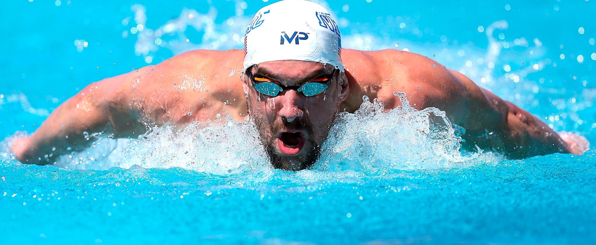 Простые фото мужчин в бассейне, Правда или фейк? Мужчины голые, женщины в купальниках 1 фотография