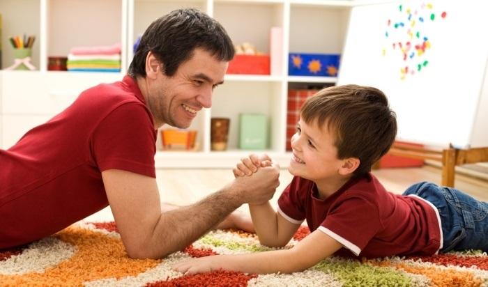 Какие важные качества должен воспитывать в сыне его отец