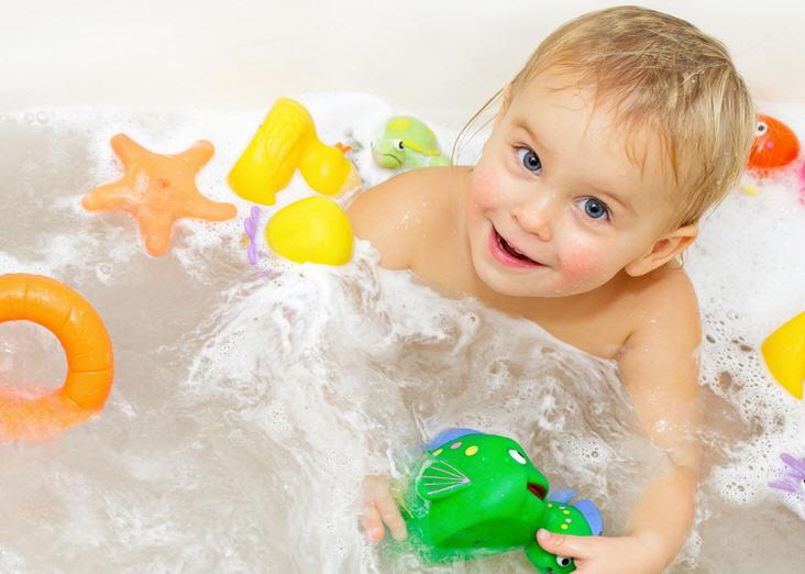 Маленький проказник в ванной. Правила, советы, рекомендации