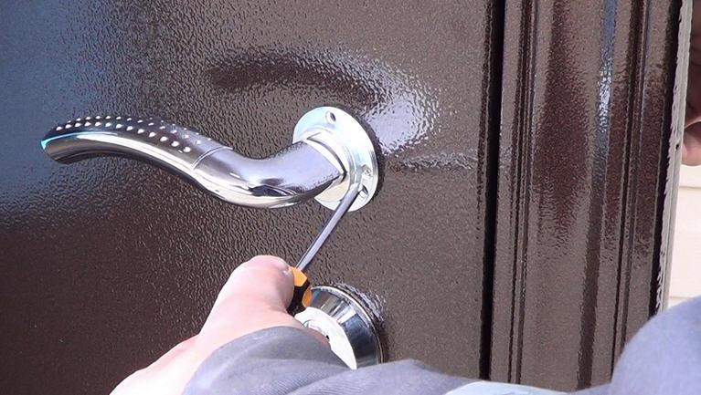 железная дверь металл монтаж