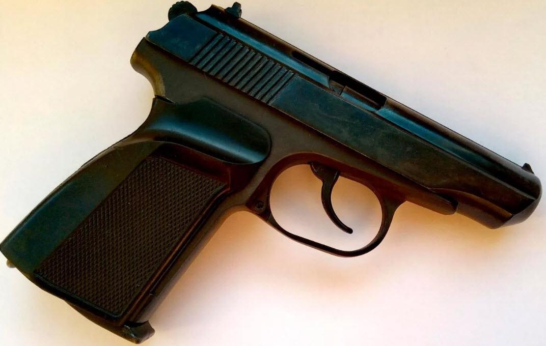 Пневматический пистолет МР-654К - копия легендарного оружия