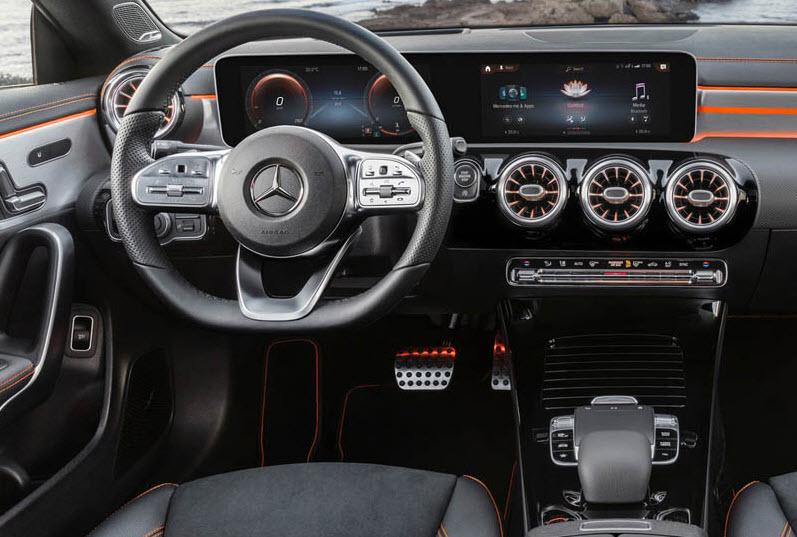 Новый Mercedes CLA 2019-2020 года в салоне
