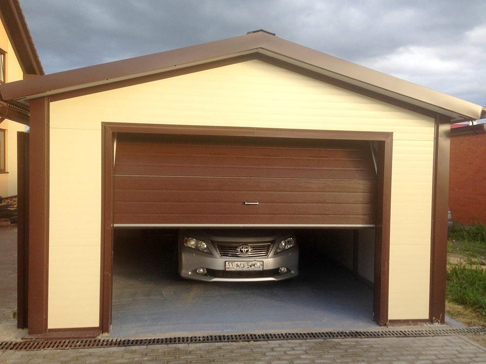 Постройка гаража с использованием сэндвич-панелей