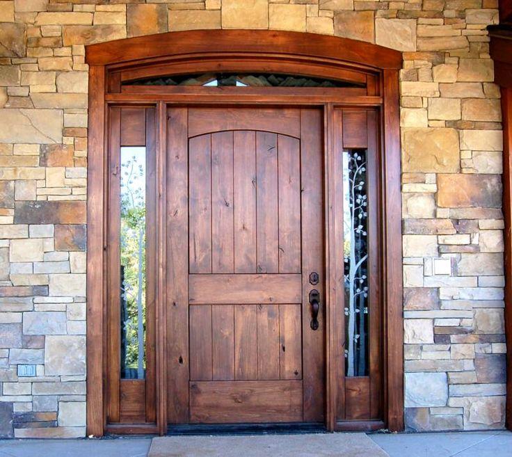 Деревянные  двери - преимущества