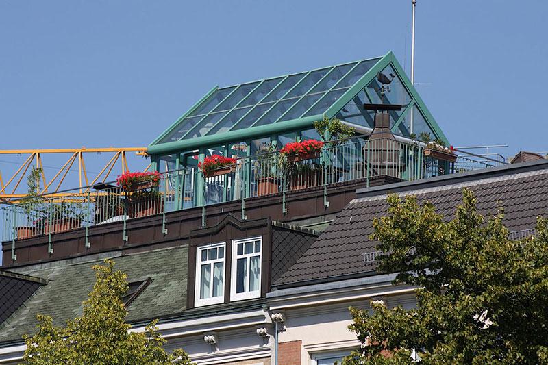Теплица на крыше - за и против