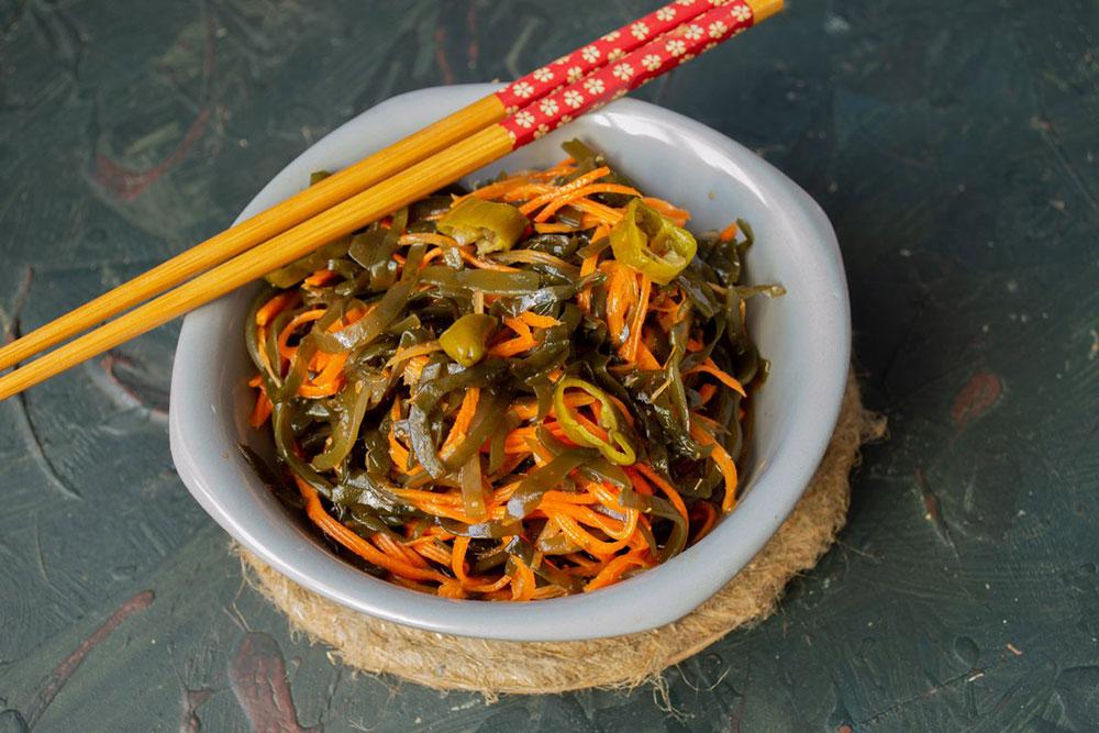 салат из морской капусты с морковью
